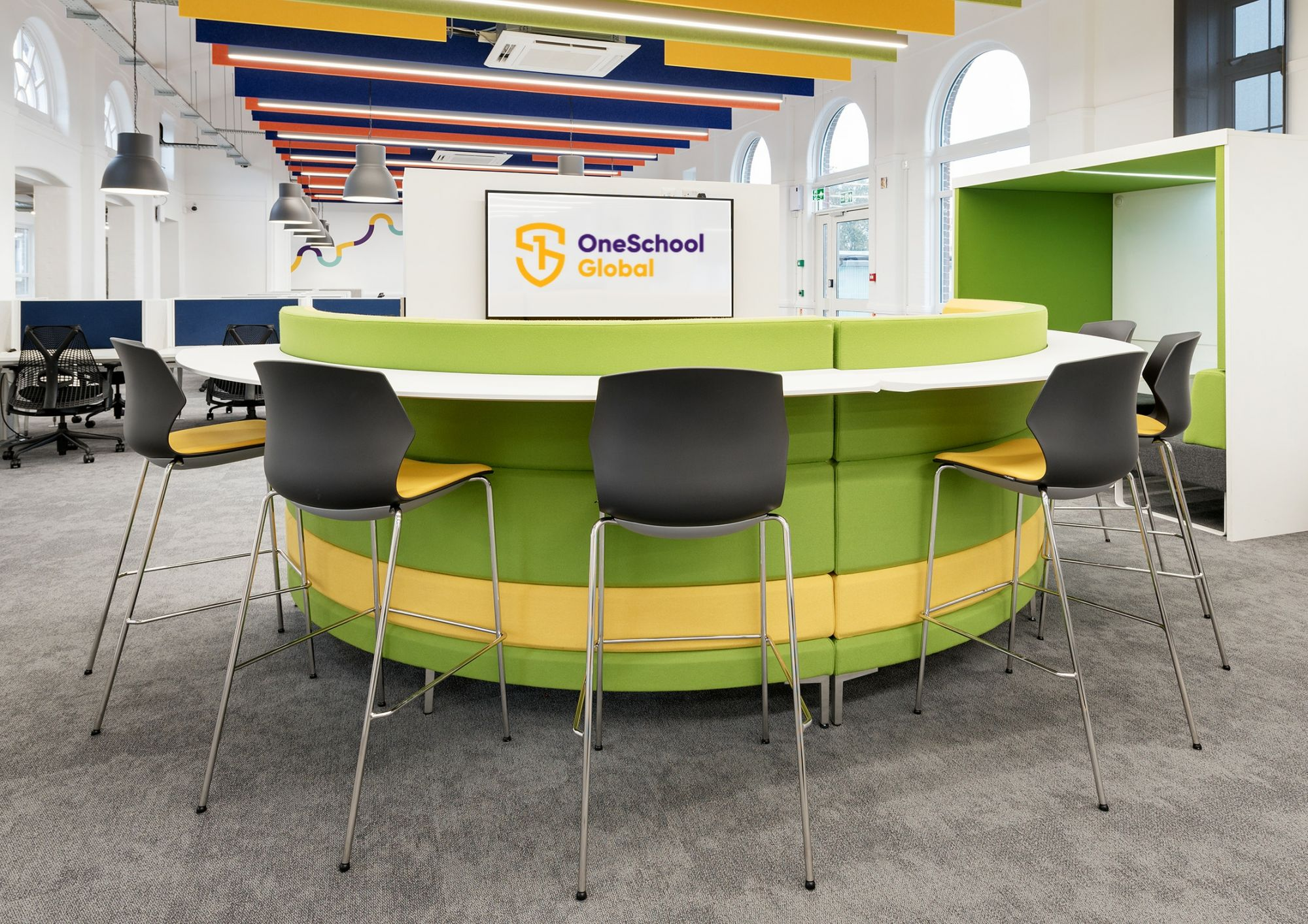 Student dynamic zone chairs and tables